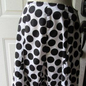 RB Collection B and W Cotton Gored Sz 6 skirt